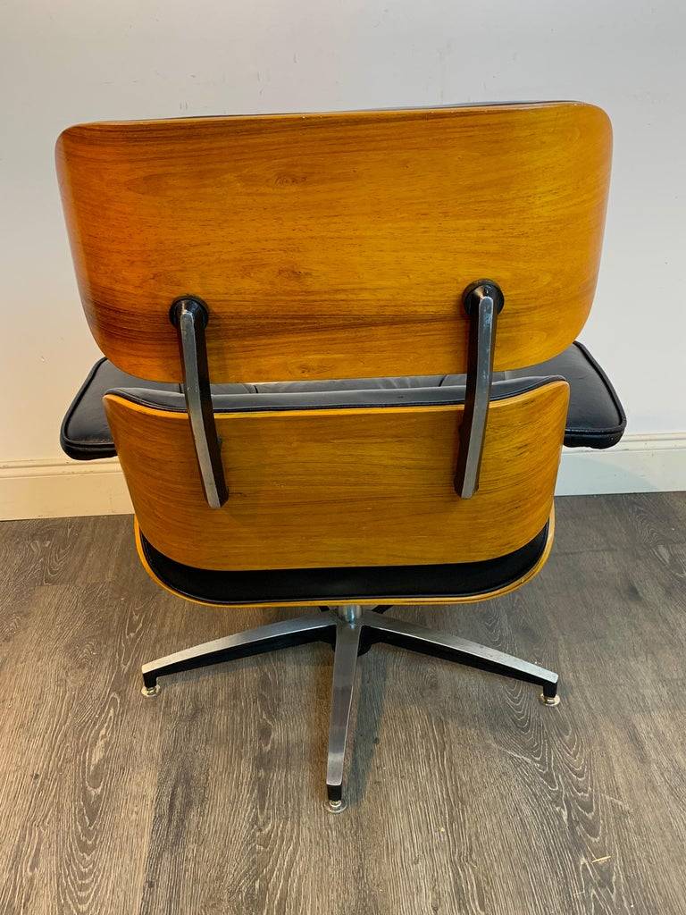 Metal 1970s Canadian Made Eames Style Lounge Chair and Ottoman, by Northfield For Sale