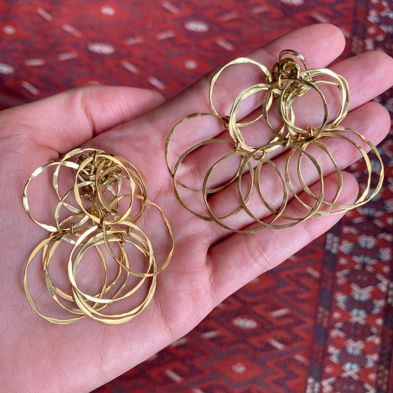1970s Cartier Gold Cascade Circular Link Earrings In Excellent Condition For Sale In New York, NY
