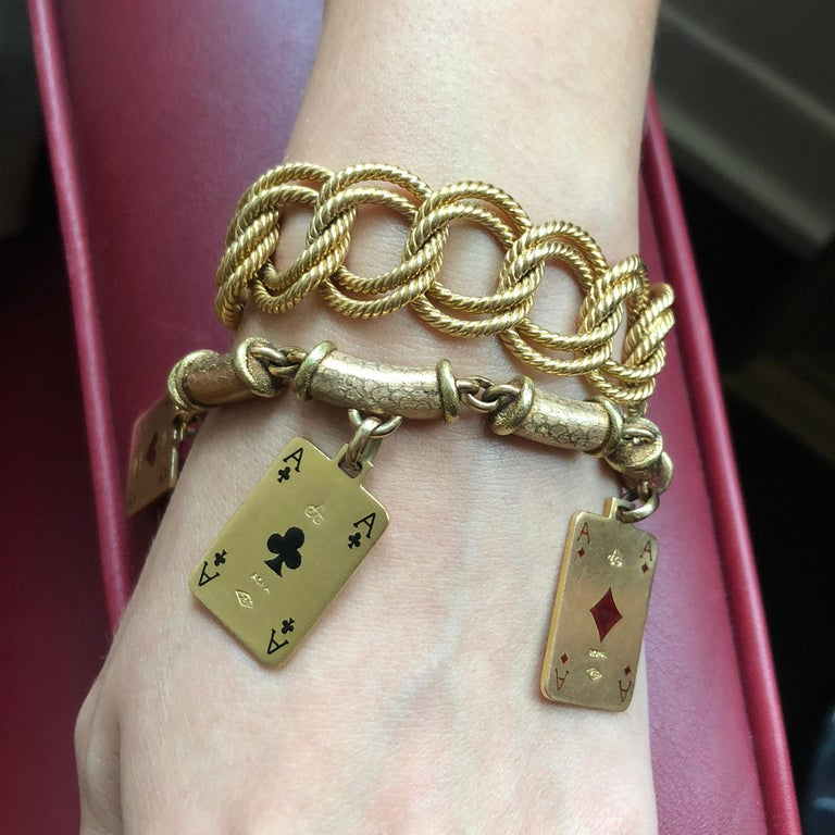 1970s Cazzaniga, Enamel and Gold Playing Card Charm Bracelet In Excellent Condition For Sale In New York, NY
