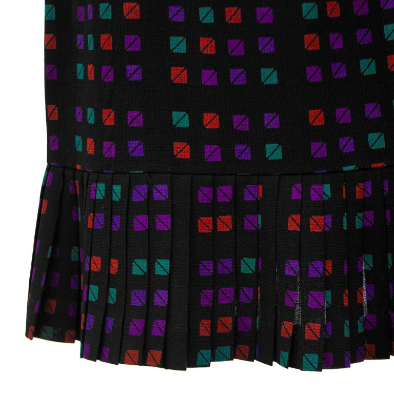 1970s Celine Geometric Skirt  In Good Condition For Sale In Toronto, Ontario