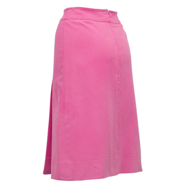 1970s Celine Pink Cotton Denim Wrap Skirt In Good Condition For Sale In Toronto, Ontario
