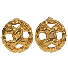 1970's Chanel Knot Gold Clip Earrings