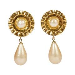 1970's Chanel Tudor Pearl Dangle Earrings