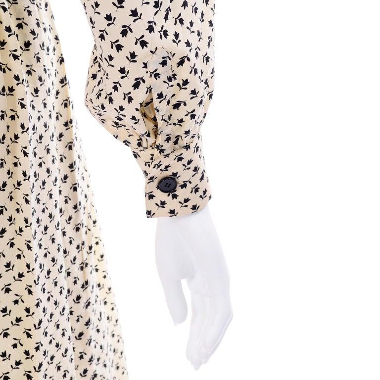1970s Chanel Vintage Cream Black Tulip Print Silk Day Dress  For Sale 5