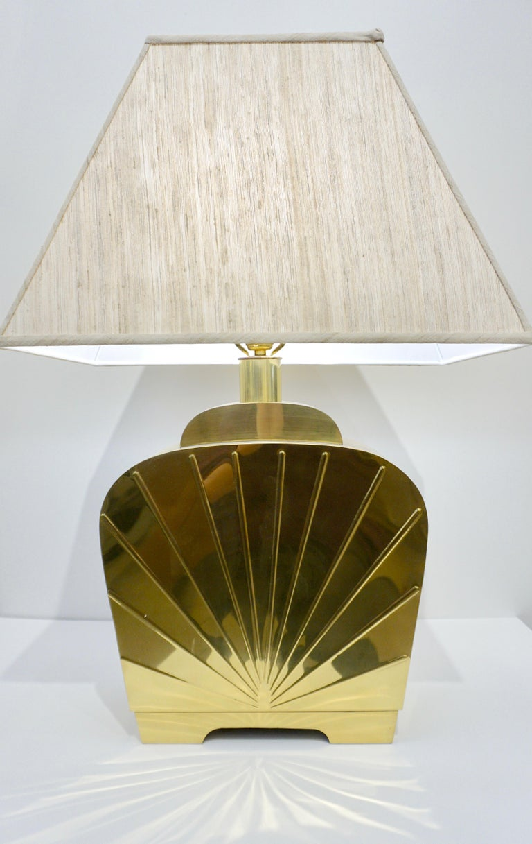 1970s Chapman Vintage Art Deco Design Pair of Hollywood Regency Gold Brass Lamps For Sale 5
