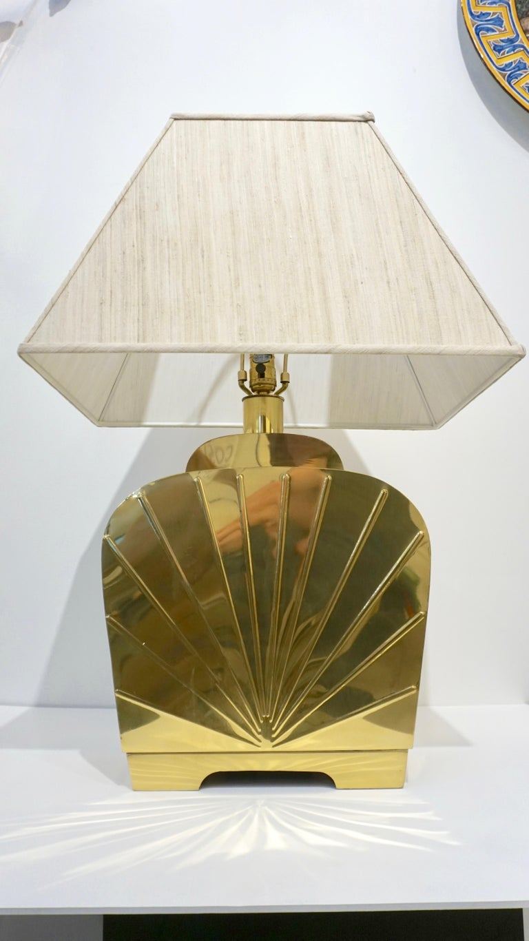 1970s Chapman Vintage Art Deco Design Pair of Hollywood Regency Gold Brass Lamps For Sale 9