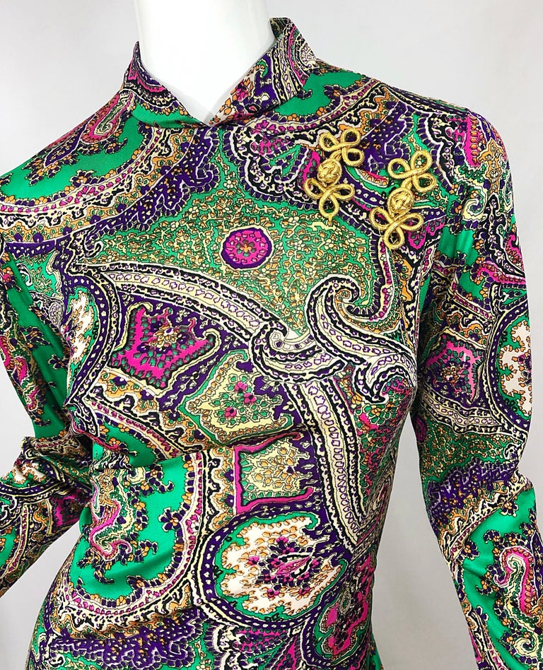 1970s Cheongsam Inspired Colorful Paisley Print Jersey Long Sleeve Maxi Dress For Sale 5