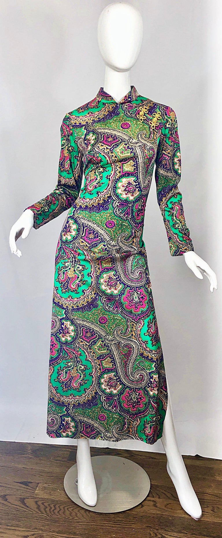 1970s Cheongsam Inspired Colorful Paisley Print Jersey Long Sleeve Maxi Dress For Sale 9