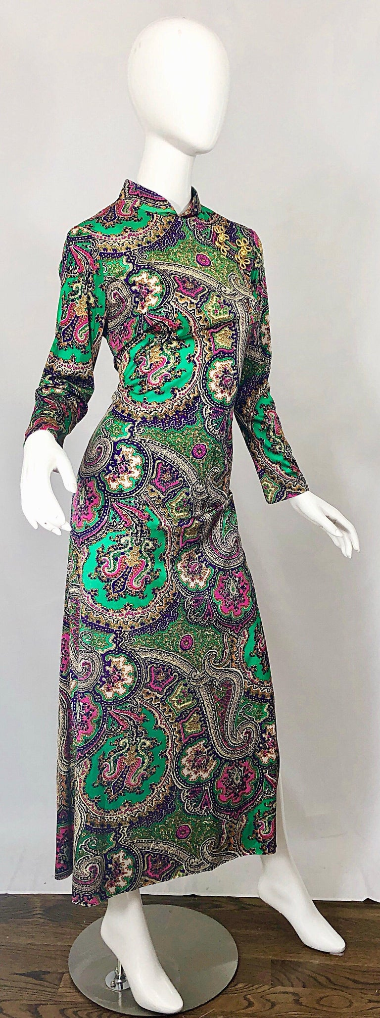 1970s Cheongsam Inspired Colorful Paisley Print Jersey Long Sleeve Maxi Dress For Sale 2