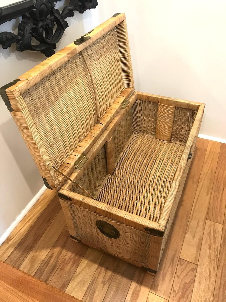 1970s Chinoiserie Handwoven Wicker Trunk or Blanket Chest with Brass Hardware For Sale 4