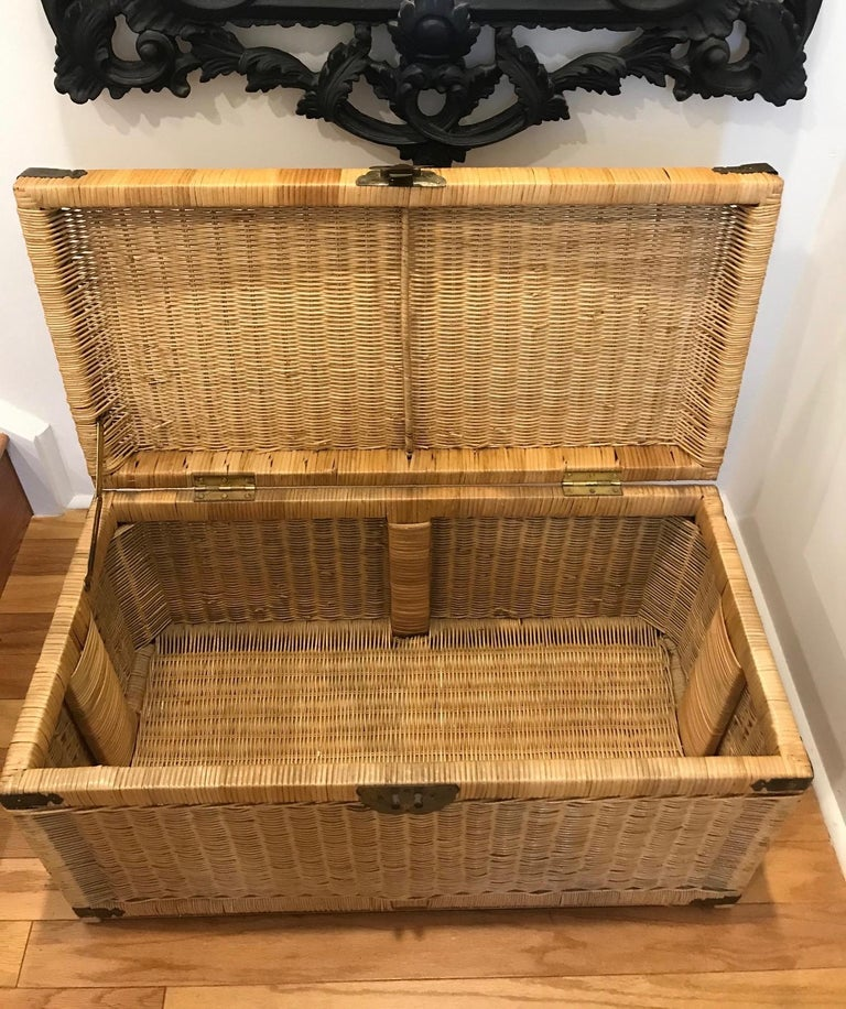 1970s Chinoiserie Handwoven Wicker Trunk or Blanket Chest with Brass Hardware For Sale 5
