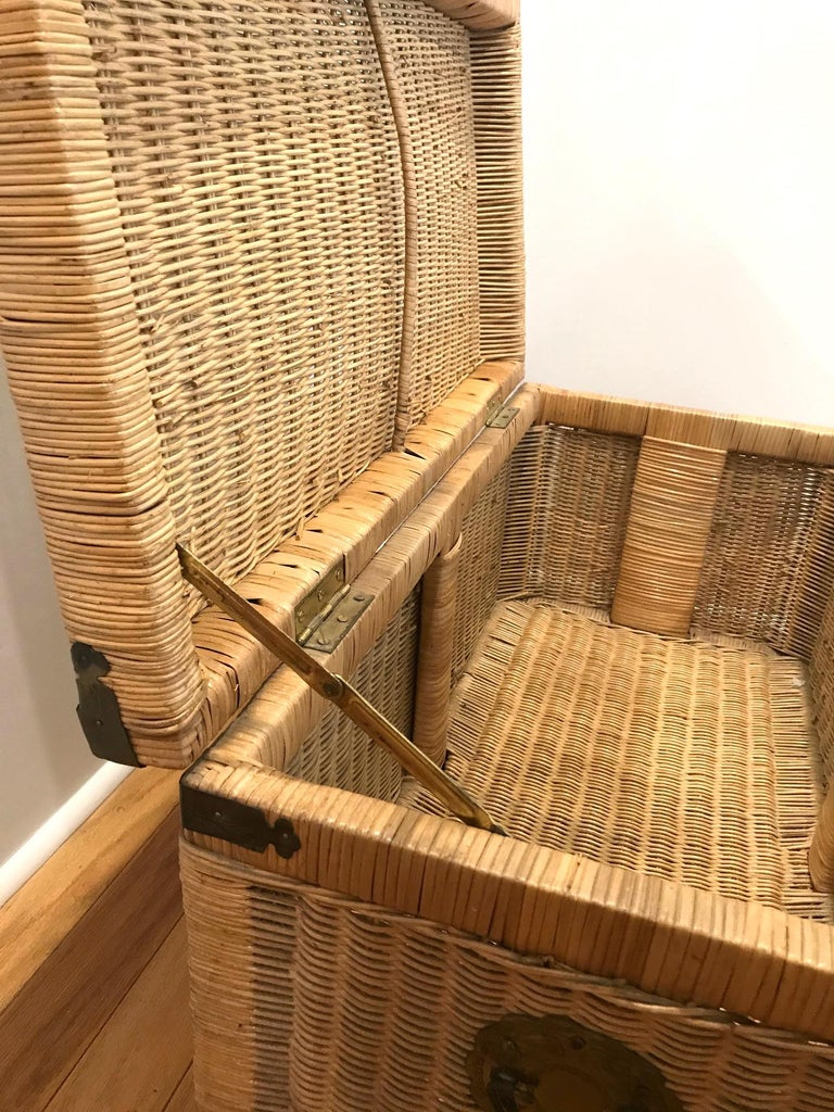 1970s Chinoiserie Handwoven Wicker Trunk or Blanket Chest with Brass Hardware For Sale 6