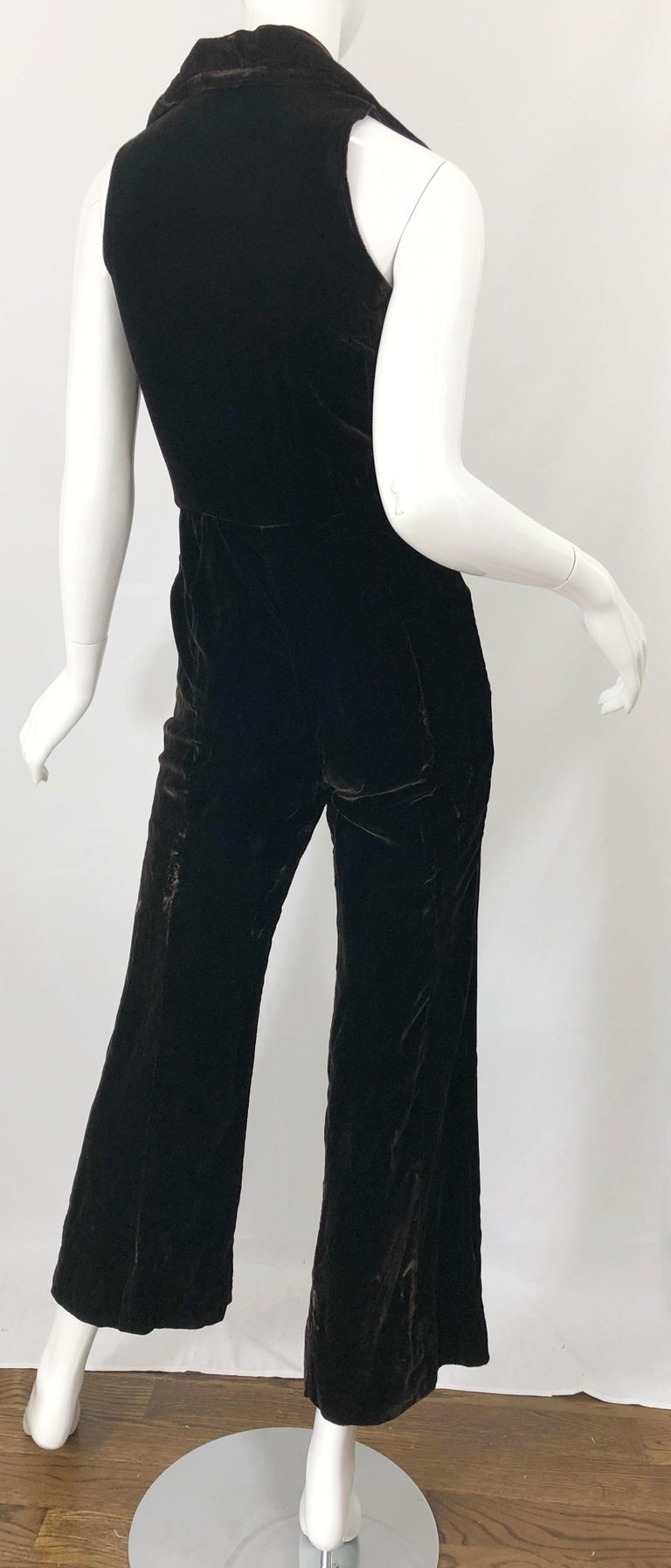 1970s Chocolate Brown Velvet Sleeveless Bell Bottom Wide Leg Vintage Jumpsuit  For Sale 5