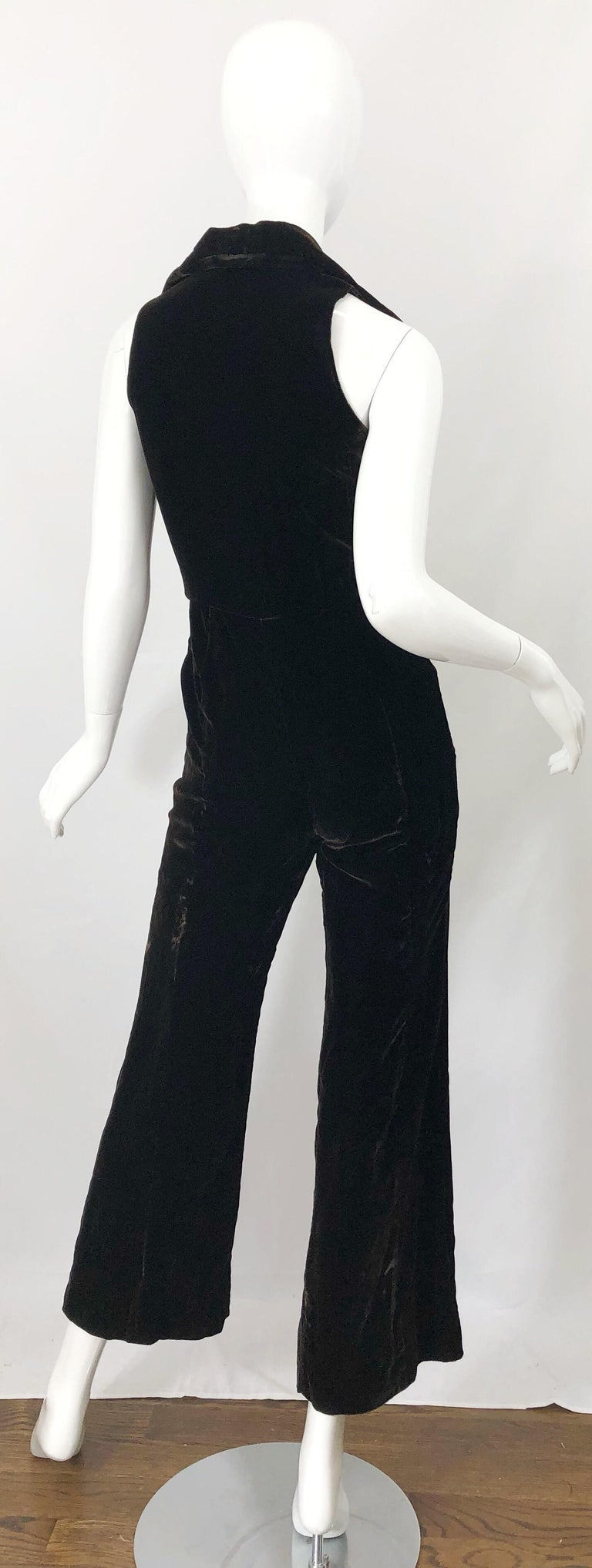 1970s Chocolate Brown Velvet Sleeveless Bell Bottom Wide Leg Vintage Jumpsuit  In Good Condition For Sale In Chicago, IL