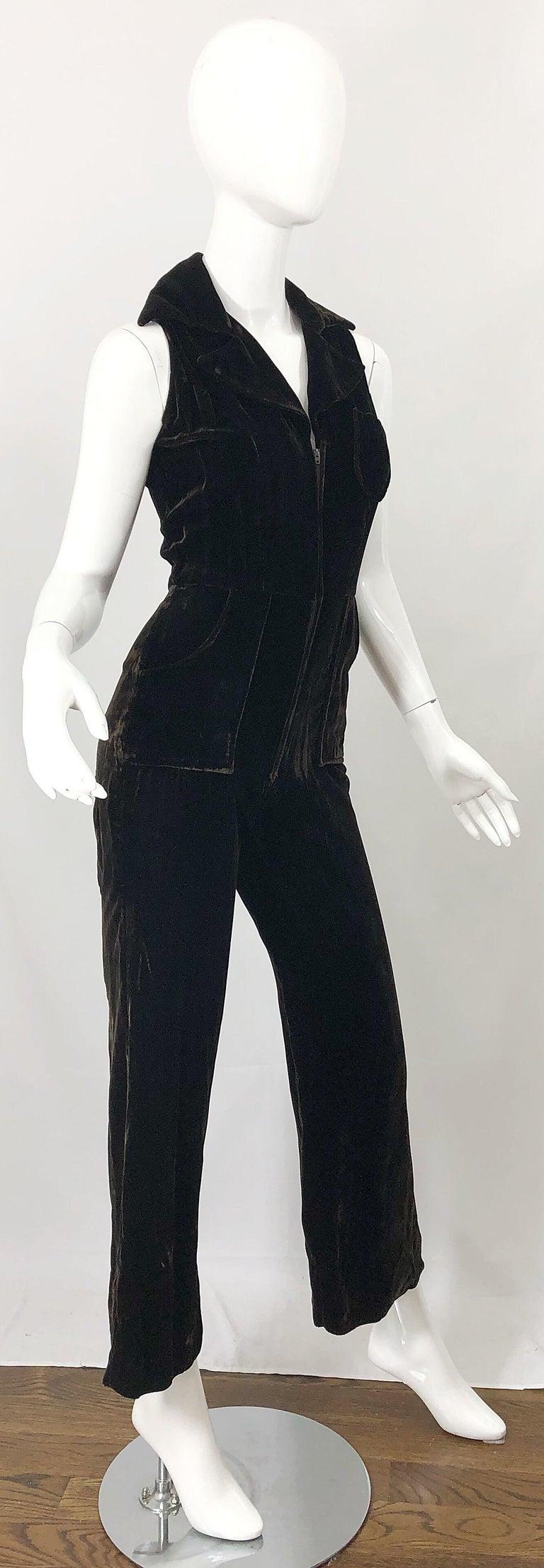 1970s Chocolate Brown Velvet Sleeveless Bell Bottom Wide Leg Vintage Jumpsuit  For Sale 3