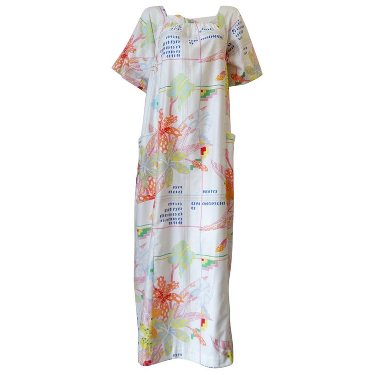 1970s Christian Dior Abstract Floral Lounge Dress For Sale