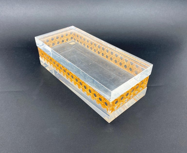 1970s Christian Dior Lucite Decorative Box with Wicker Rattan Canework, France For Sale 5