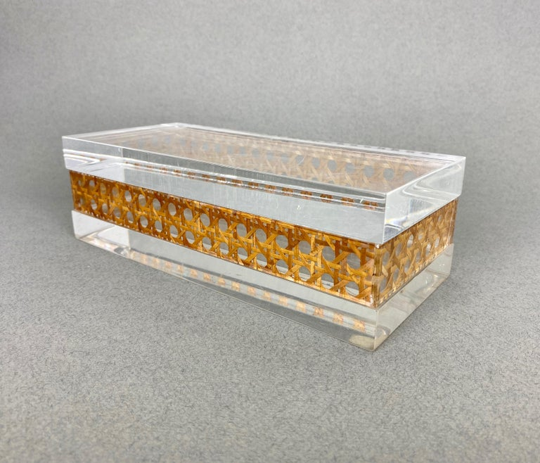 1970s Christian Dior Lucite Decorative Box with Wicker Rattan Canework, France For Sale 7