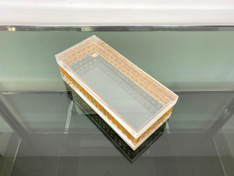 1970s Christian Dior Lucite Decorative Box with Wicker Rattan Canework, France In Good Condition For Sale In Rome, IT