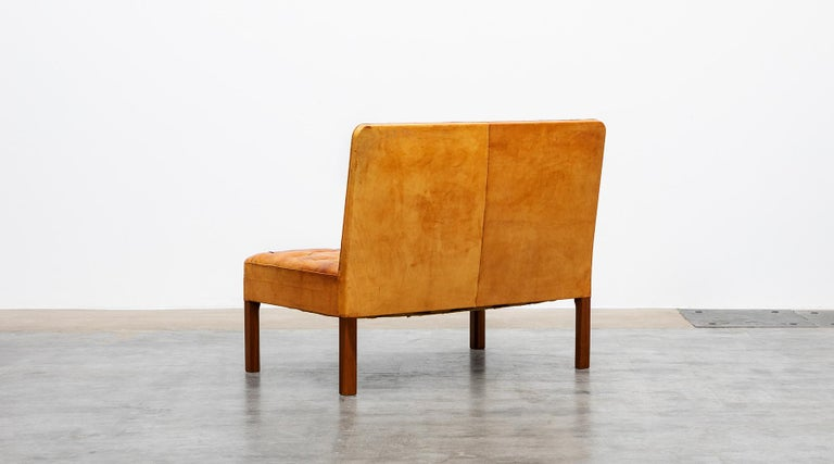 Late 20th Century 1970s Cognac Leather and Mahogany Pair of Sofa Units by Kaare Klint For Sale