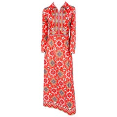 1970s Coral and Red Printed Dress with Boarder Accents