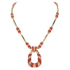 1970's Coral Diamond 18k Gold Twist Bar Link Pendant Necklace