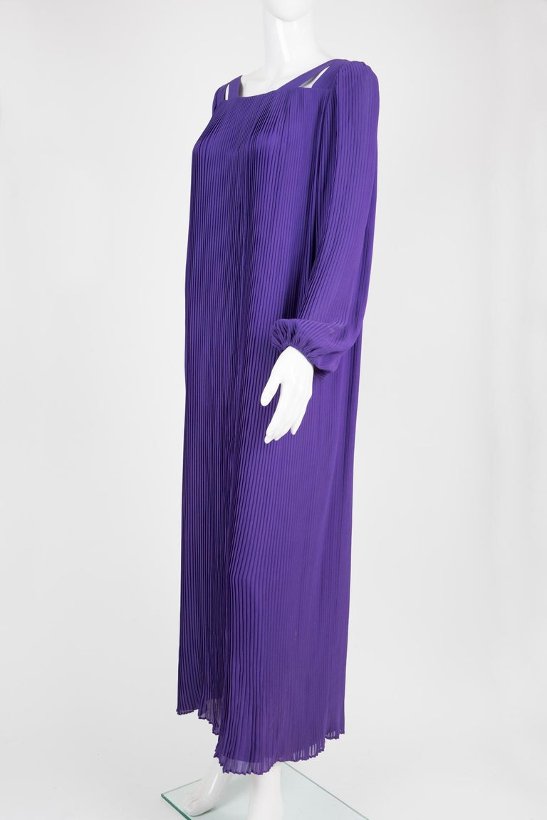 Women's 1970s Couture Philippe Venet Purple Pleated Evening Dress For Sale