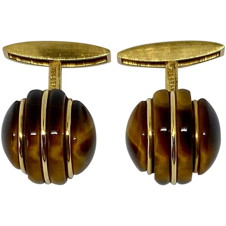1970s Cufflinks in 18 Karat Yellow Gold with Carved Tiger's Eye Domes For Sale