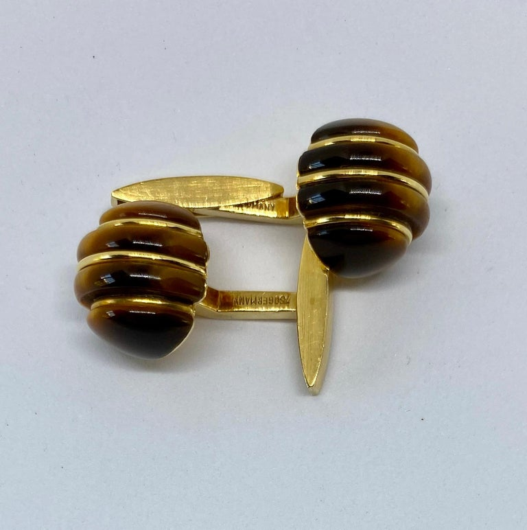 1970s Cufflinks in 18 Karat Yellow Gold with Carved Tiger's Eye Domes In Good Condition For Sale In San Rafael, CA