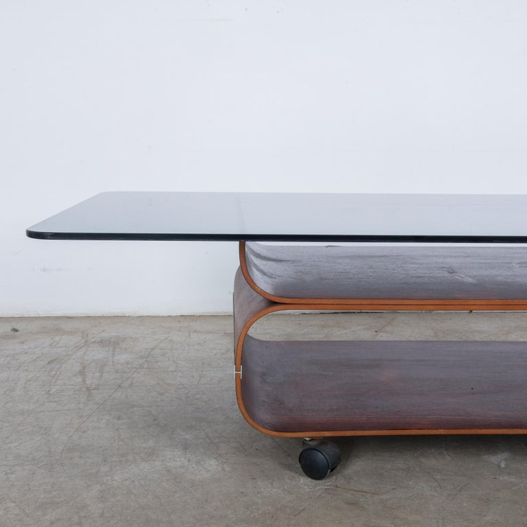 1970s Danish Coffee Table In Good Condition For Sale In High Point, NC