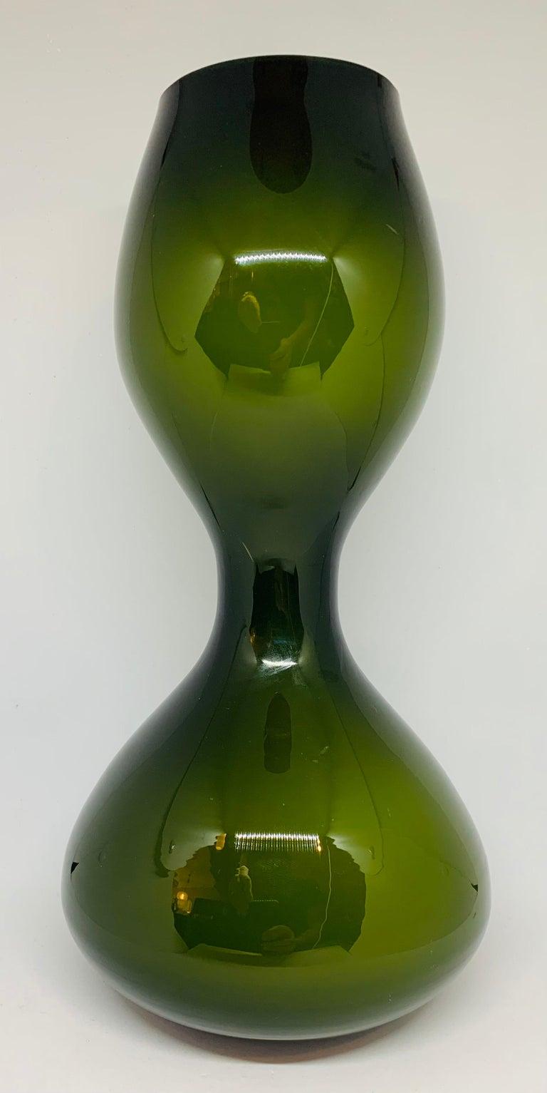 1970s Danish Hand Blown Holmegaard Encased Green Glass Hourglass Shaped Vase For Sale 1
