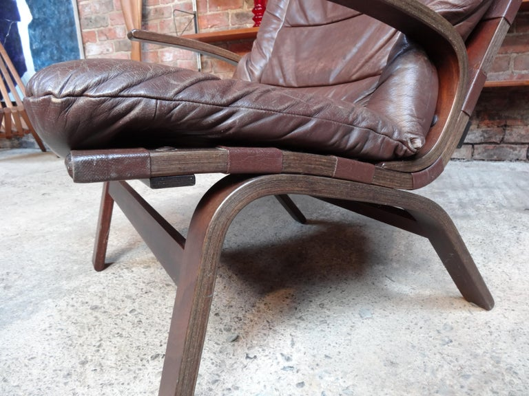 1970s Ingmar Relling chair, produced in Norway by the renowned 'Westnofa Møbelfabrikk' furniture makers, chair is covered in a brown leather, leather has a lovely patina and is in very good condition, very comfortable!!  Measures: Seat height