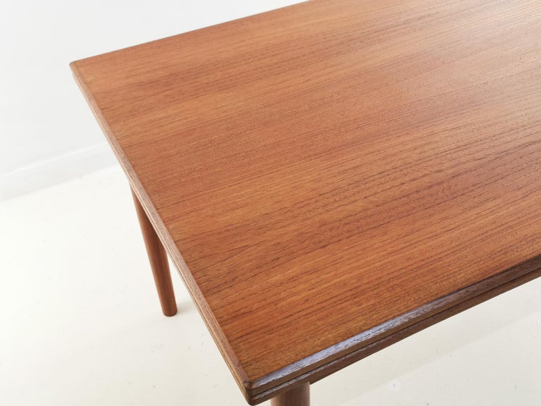 1970s Danish Teak Extending Dining Table by Clausen & Son Midcentury In Good Condition For Sale In STOKE ON TRENT, GB