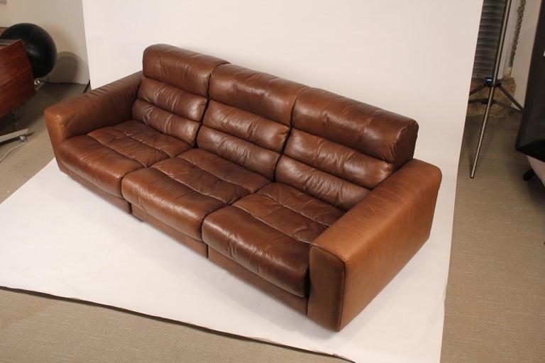 1970s De Sede Reclining Sofa in Buffalo Hide Leather In Good Condition For Sale In Dallas, TX