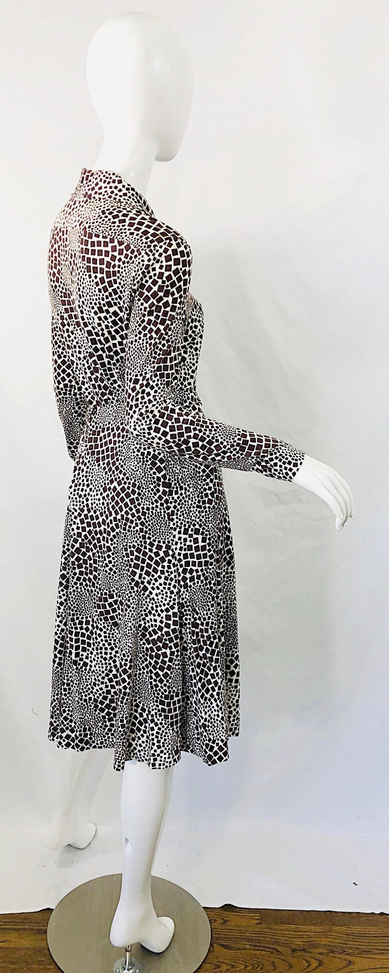 1970s Diane Von Furstenberg Brown and White Rayon Cotton Cut Out Top Skirt Dress For Sale 4