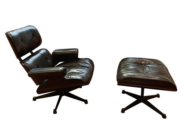 1970s Eames 670 Lounge Chair and 671 Ottoman Black Leather Herman Miller by ICF For Sale 1