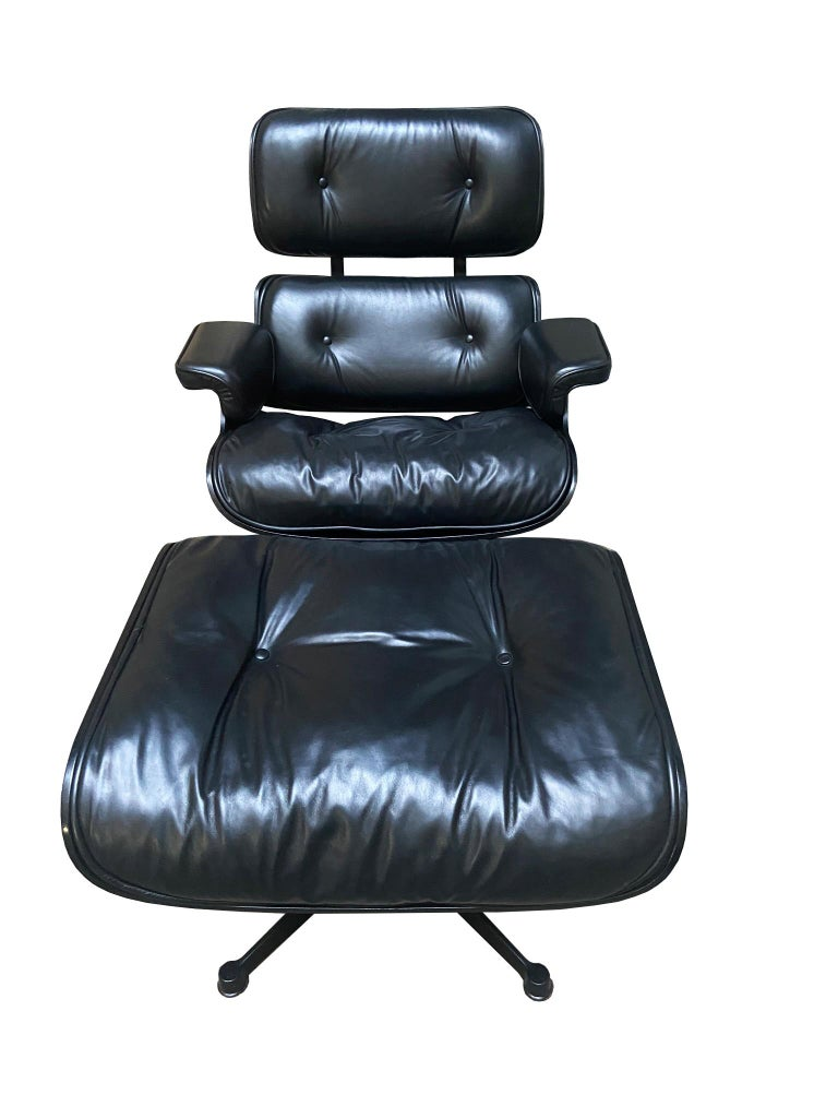 1970s Eames 670 Lounge Chair and 671 Ottoman Black Leather Herman Miller by ICF For Sale 3