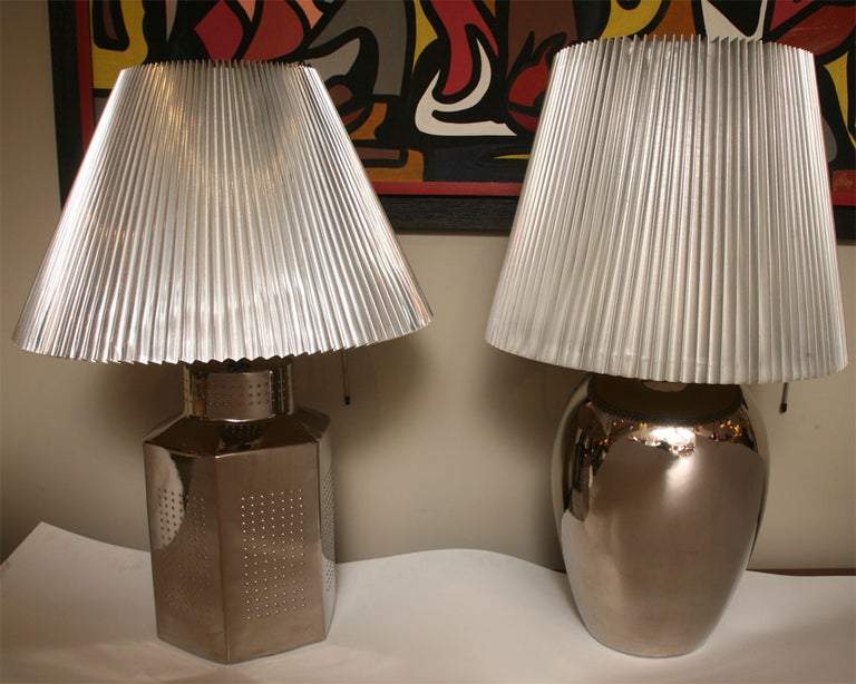 American 1970s Elegant and Modern Pair of Mirror Glaze Table Lamps Tyndale For Sale