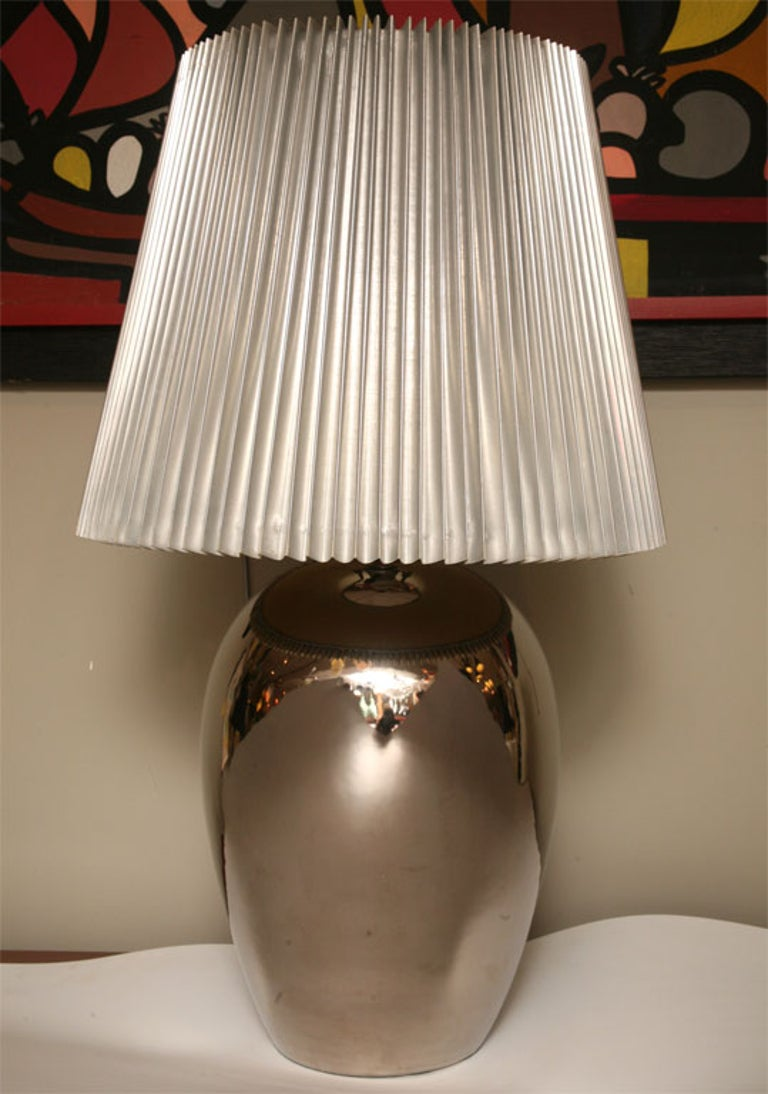 Late 20th Century 1970s Elegant and Modern Pair of Mirror Glaze Table Lamps Tyndale For Sale