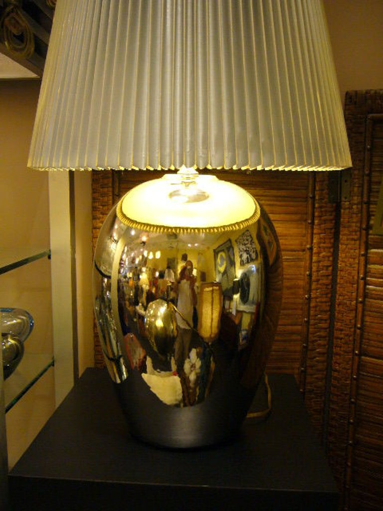 1970s Elegant and Modern Pair of Mirror Glaze Table Lamps Tyndale For Sale 1