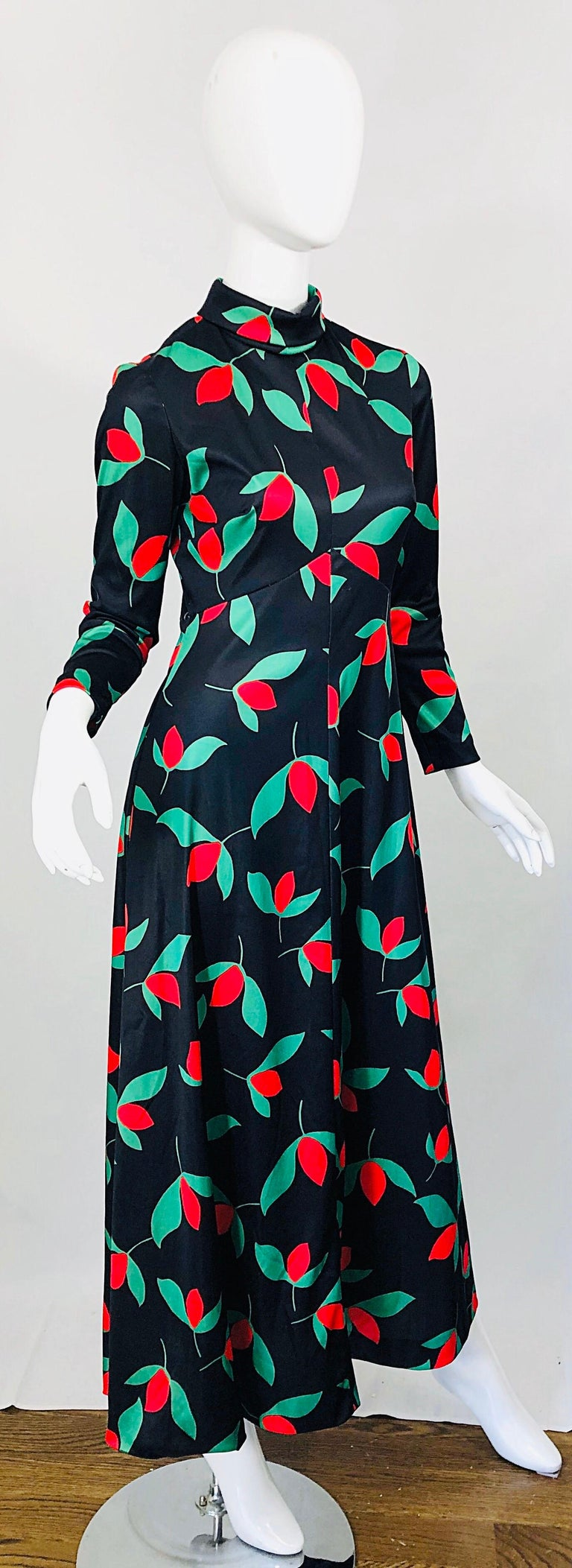 1970s Emilio Borghese Tulip Print Black + Green + Red Vintage 70s Maxi Dress For Sale 7
