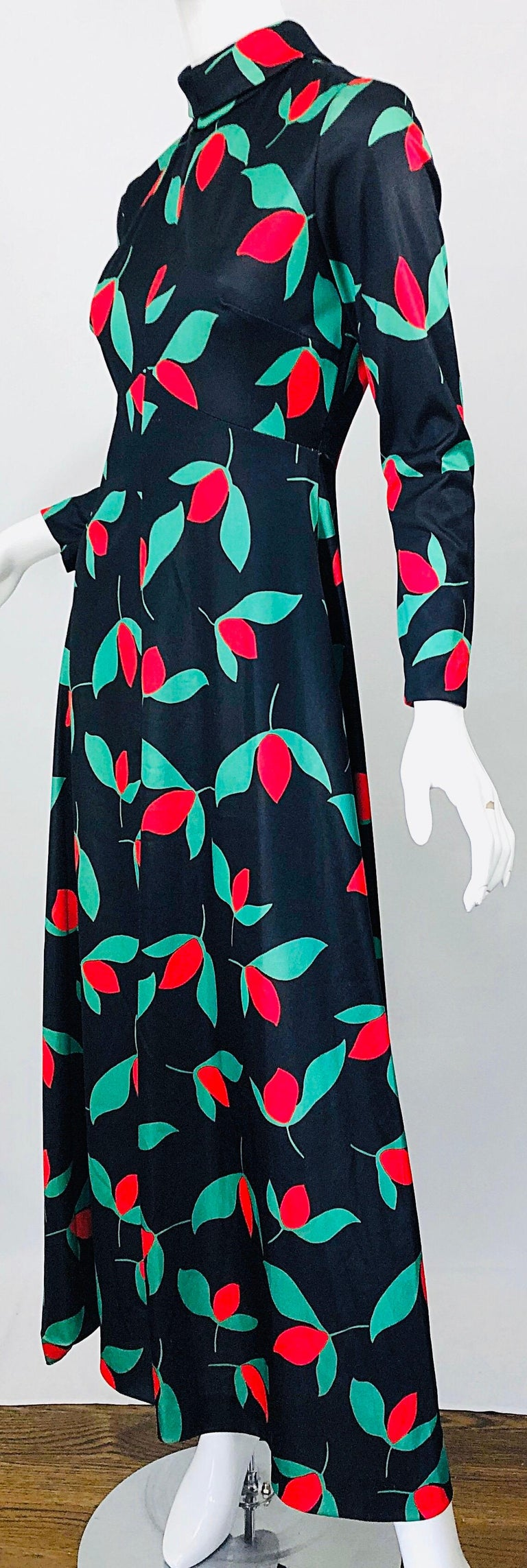 1970s Emilio Borghese Tulip Print Black + Green + Red Vintage 70s Maxi Dress For Sale 8