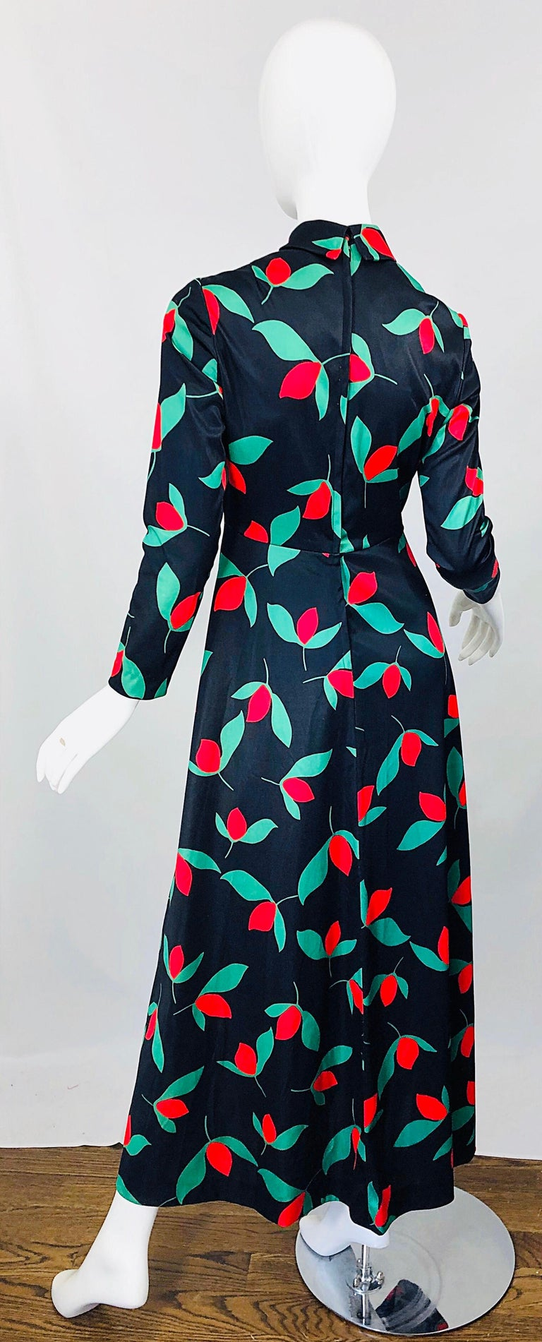 1970s Emilio Borghese Tulip Print Black + Green + Red Vintage 70s Maxi Dress For Sale 9