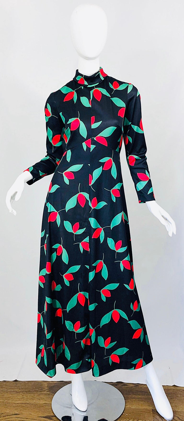 1970s Emilio Borghese Tulip Print Black + Green + Red Vintage 70s Maxi Dress For Sale 10