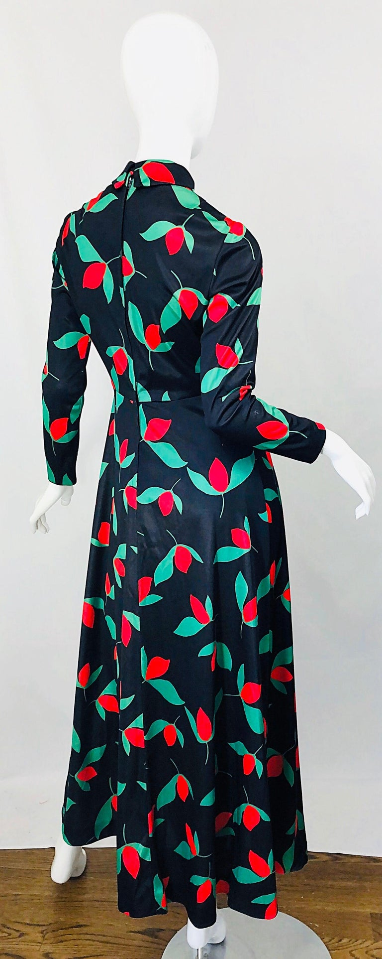 Women's 1970s Emilio Borghese Tulip Print Black + Green + Red Vintage 70s Maxi Dress For Sale