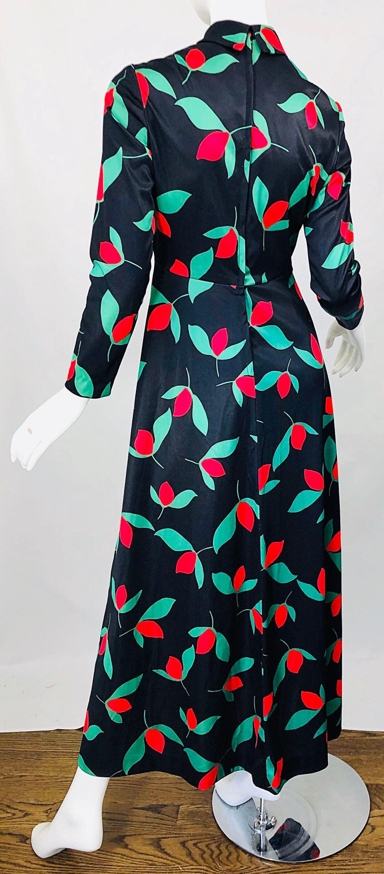 1970s Emilio Borghese Tulip Print Black + Green + Red Vintage 70s Maxi Dress For Sale 3