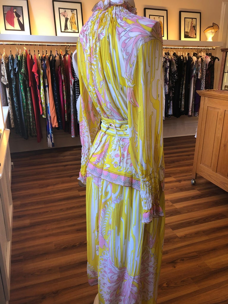 Beautiful lined light weight silk chiffon 3-piece by Emilio Pucci bought at Saks Fifth Avenue. The skirt has a 29