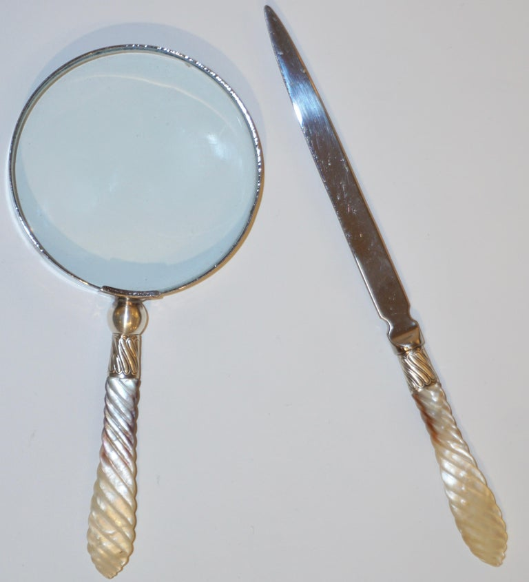1970s English Magnifying Glass and Letter Opener with Mother of Pearl Handles For Sale 1