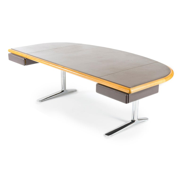 Mid-Century Modern 1970s Executive Office Desk by Warren Platner for Knoll For Sale