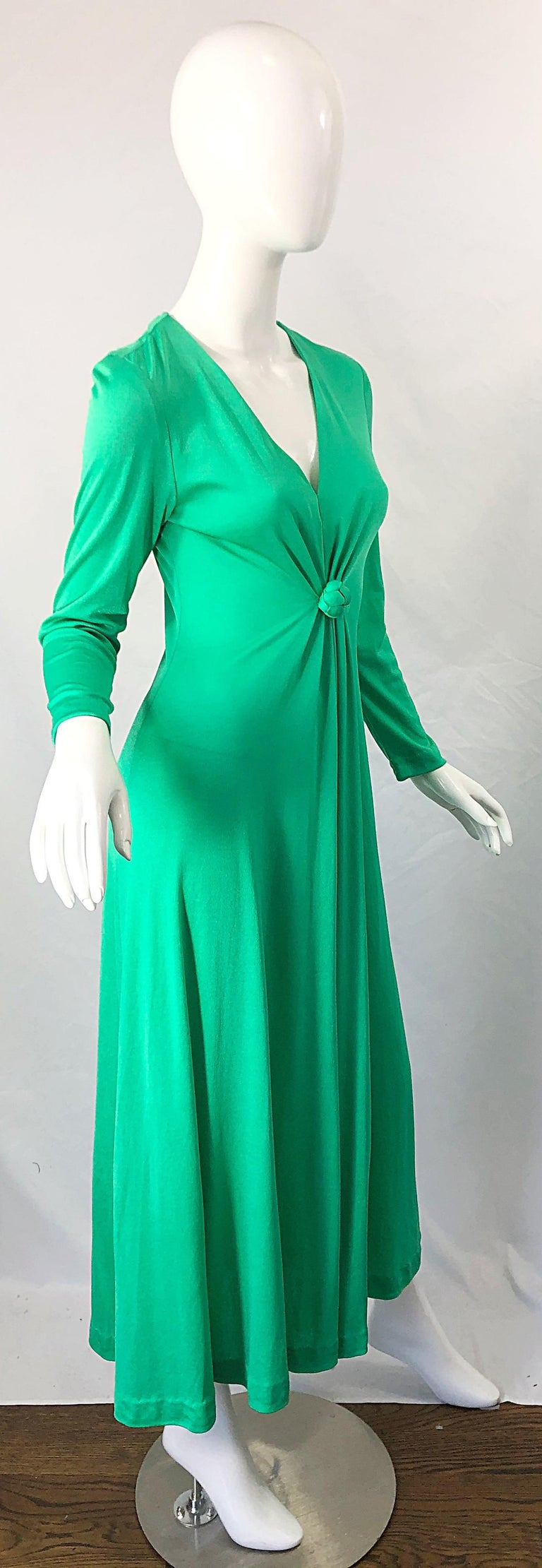 1970s Fredrick's of Hollywood Kelly Green Vintage Jersey 70s Maxi Dress For Sale 6